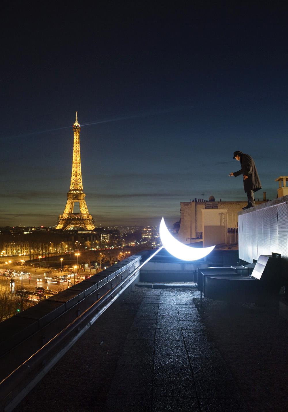 Private Moon in Paris